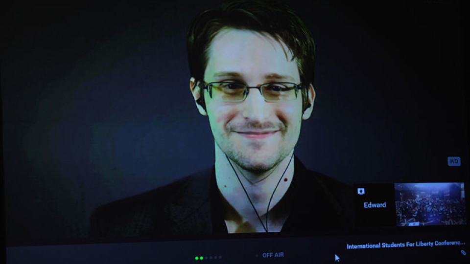 Edward Snowden tells supporters he pines for U.S.